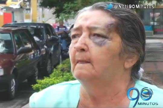 Delincuente agredió a una abuela de 82 años cuando huía de la Policía