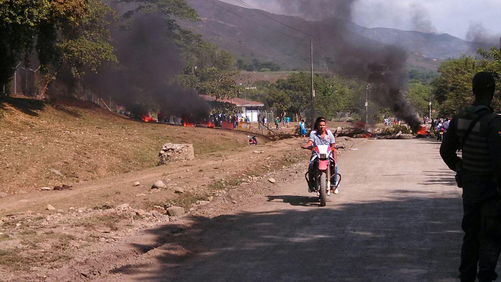 Paro de mineros provoca asonada en instalaciones de EPSA