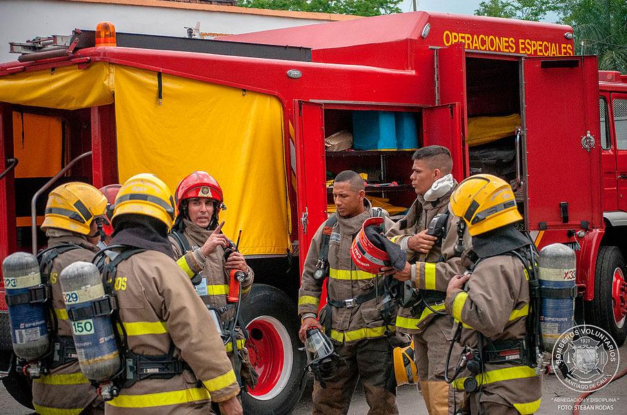Bodega de la empresa Distriaceites fue consumida por el fuego