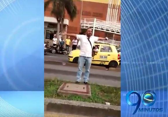 Video: Momentos en que hombre arrolló a agentes de tránsito