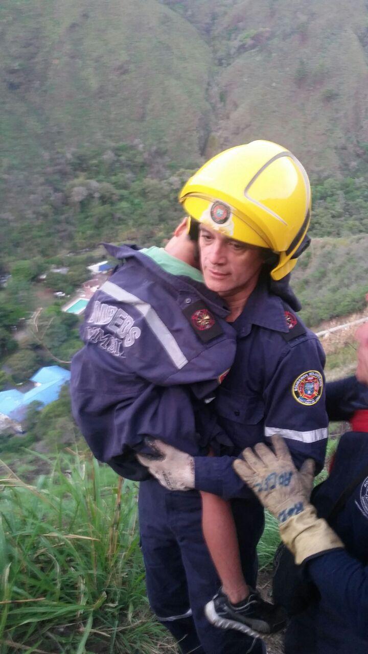 Rescatan familia extraviada en el sector de Yanaconas