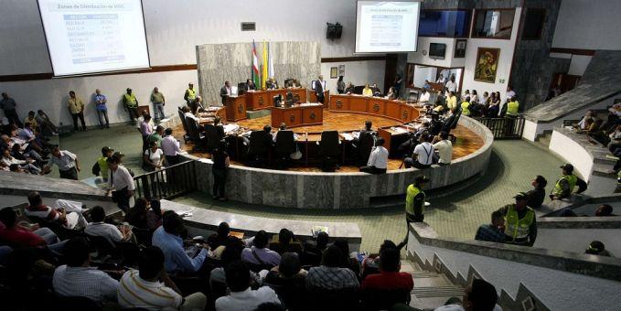 Inicia votación para otorgar facultades al Alcalde Maurice Armitage