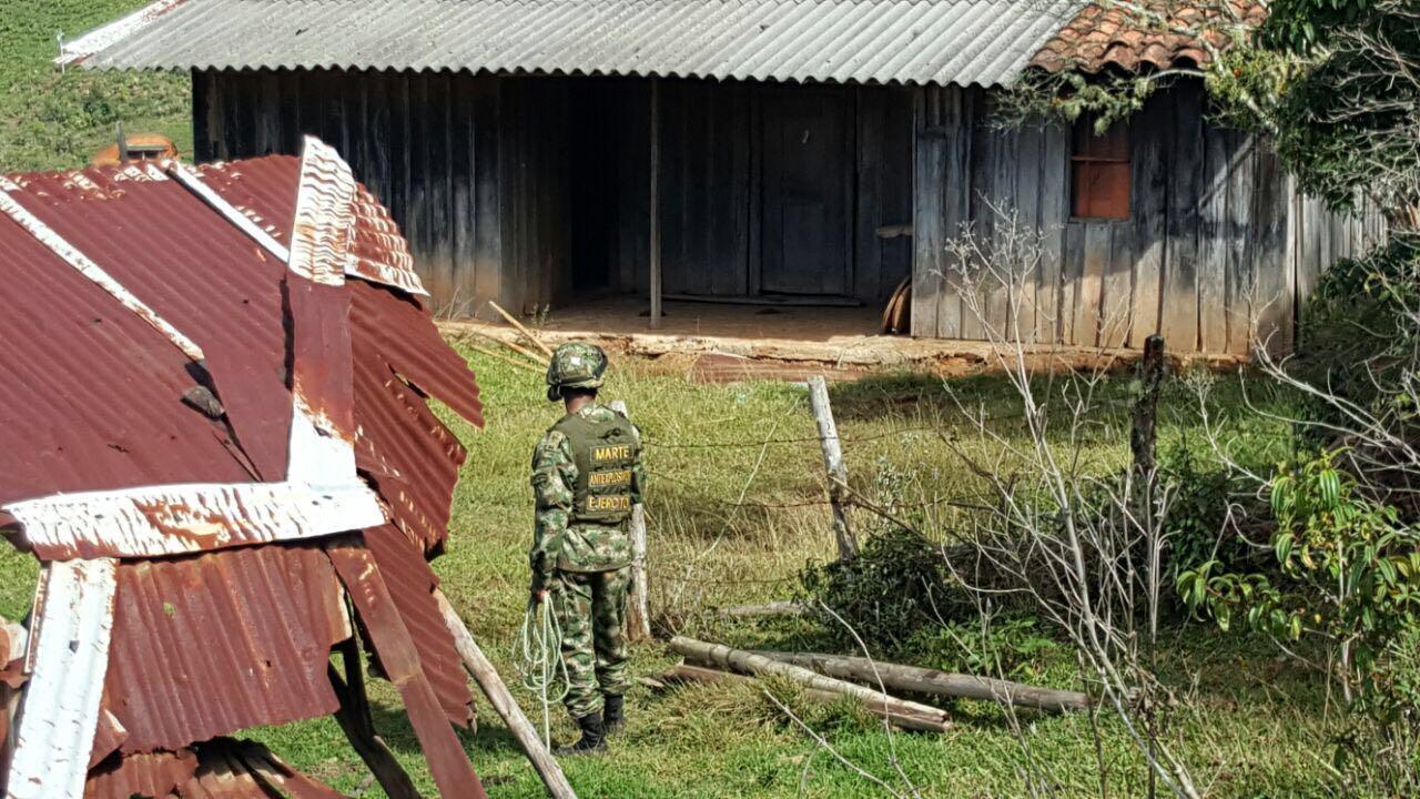 """El ejército desmantela """"Casa Bomba"""" en el Tambo, Cauca"""