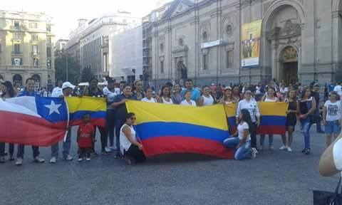 Colombianos en Chile rinden homenaje a joven asesinada