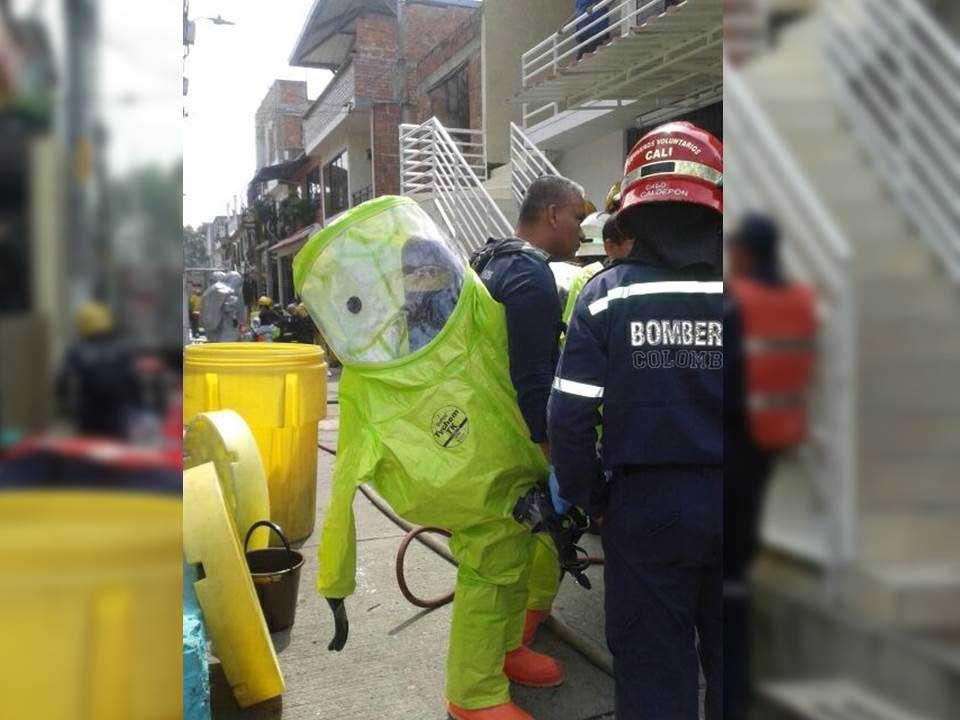Operativo de descontaminación en casas de hermanos muertos