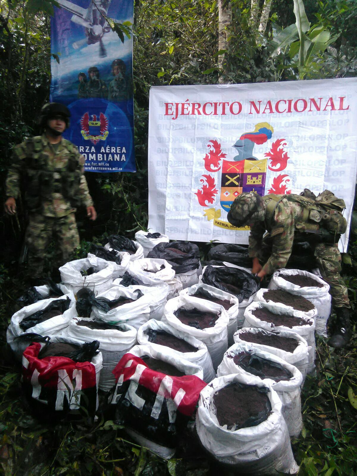 Encuentran caleta del ELN con 1.500 kilos de explosivos en Cauca
