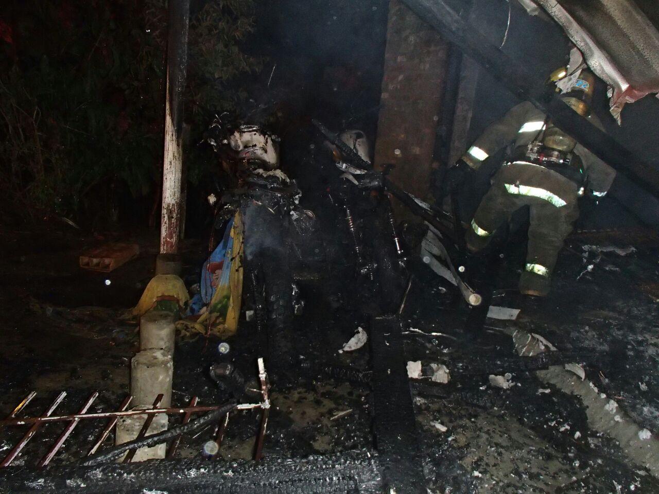 Investigan causas de incendio en Iglesia en Terrón Colorado