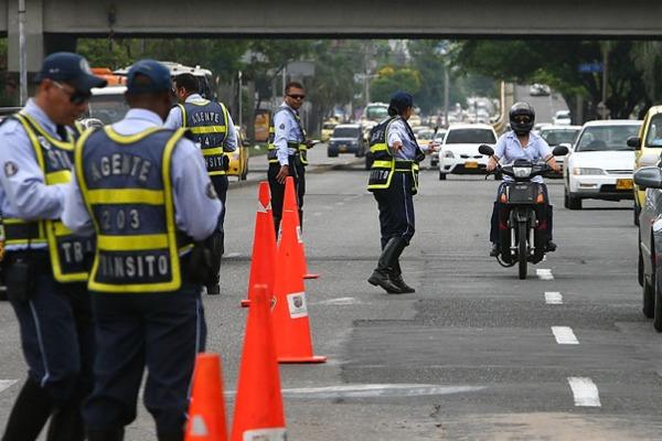 ¿Está de acuerdo con que la Policía apoye las labores de los agentes de Tránsito en Cali?