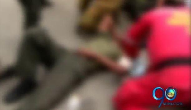 Personero denuncia guerra del centavo entre ambulancias