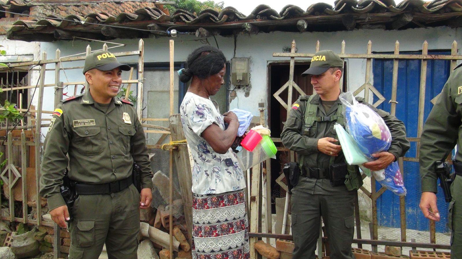 Policía remodela casa a adulta mayor de Puerto Tejada, Cauca
