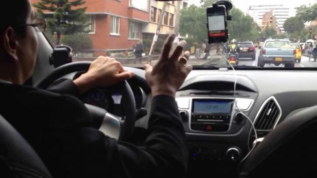Multan con 142.000 dólares a Uber en Colombia por operar sin autorización