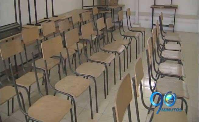 300 estudiantes abandonaron una escuela en Florida por inseguridad