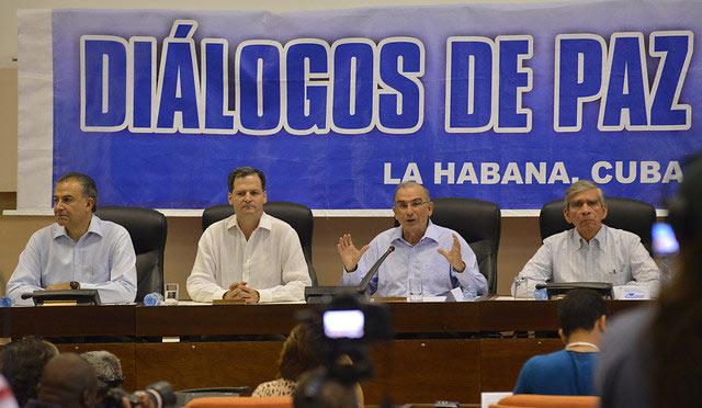 Gobierno y Farc retoman diálogos sin fecha para la paz