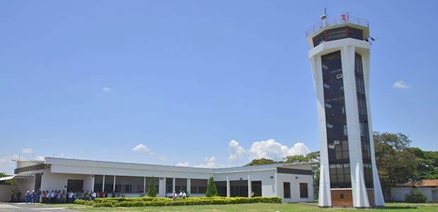 Inauguran obras de modernización en el aeropuerto de Cartago