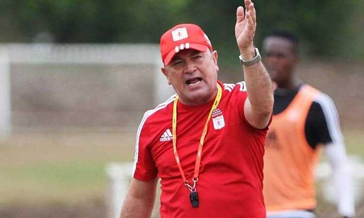 Polémica tras salida de Alberto Suárez como técnico del América
