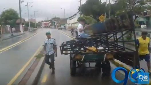 Carretilleros invadieron y atacaron a bus del Mío