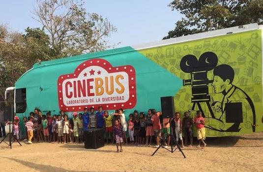 CineBus, la nueva forma de ver cine en los barrios de Cali