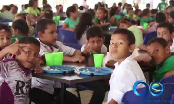 Min. Educación dice que hay 3 redes que manejan la alimentación escolar