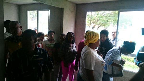 Desplazados se tomaron apartamentos en Calimío