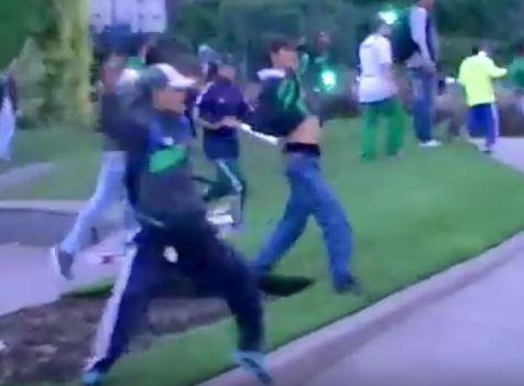 Hinchas del Cali protagonizaron bochornosa pelea en Buenos Aires