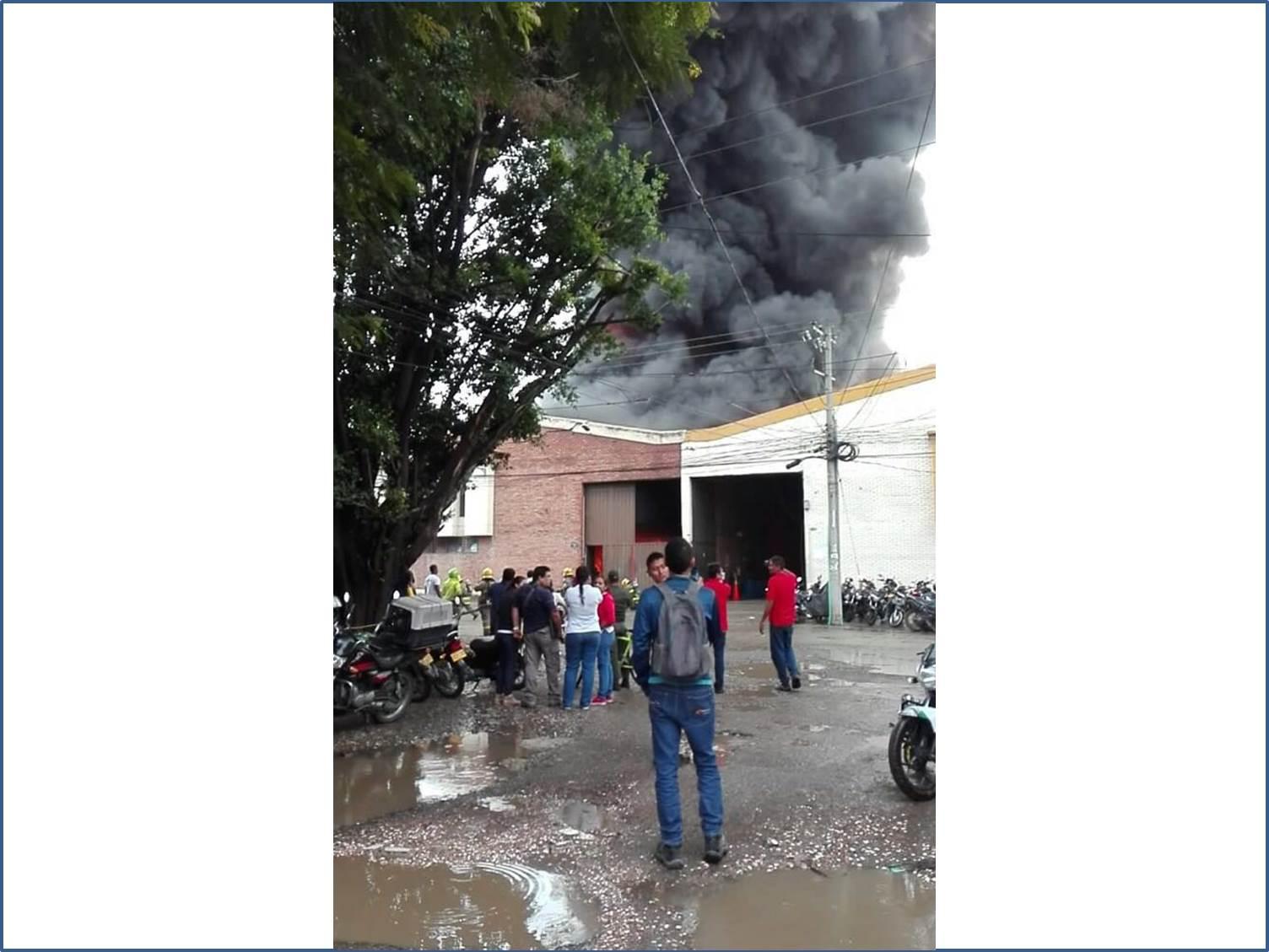 Incendio en Acopi-Yumbo consumió una bodega de pañales