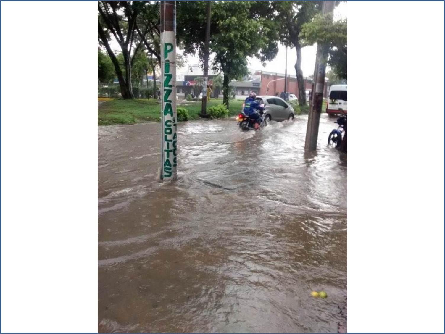 Cali colapsó por fuertes lluvias de la mañana del viernes