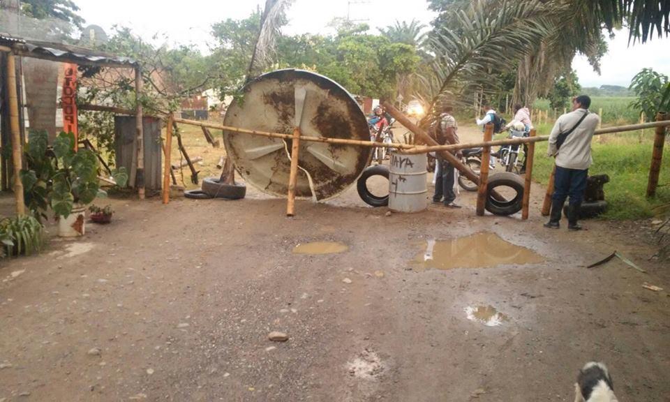 Habitantes de la vereda El Guabal bloquearon vía a la cárcel de Jamundí