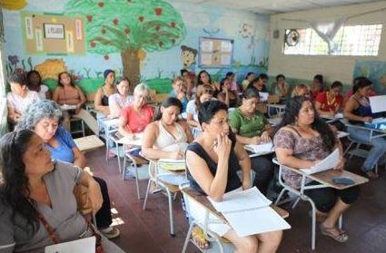 Madres comunitarias levantaron paro tras acuerdo con ICBF