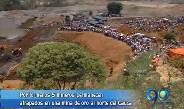Derrumbe en mina de oro en norte del Cauca deja 5 mineros atrapados