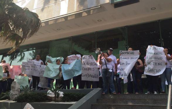 Madres de discapacitados protestan por faltas de la EPS