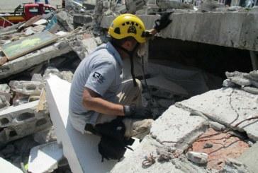 Especialista español en rescates subraya fuerza de ecuatorianos ante tragedia