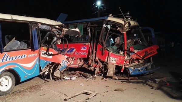 Choque entre dos busetas dejó 35 heridos en vía Cali – Candelaria