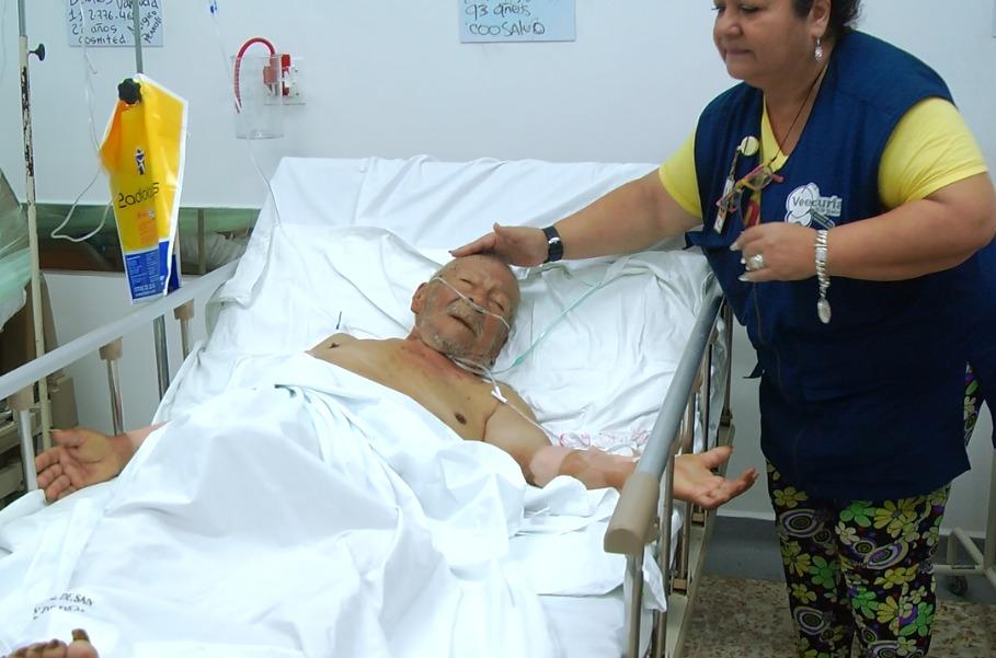 Anciano de 93 años fue quemado con una cuchara en Cartago