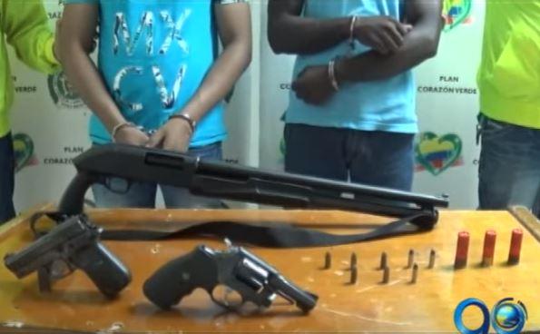 Autoridades decomisan armamento dentro de un motel en Buenaventura