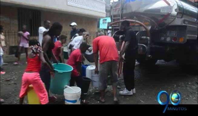 Continúa la crisis en Buenaventura por la falta de agua