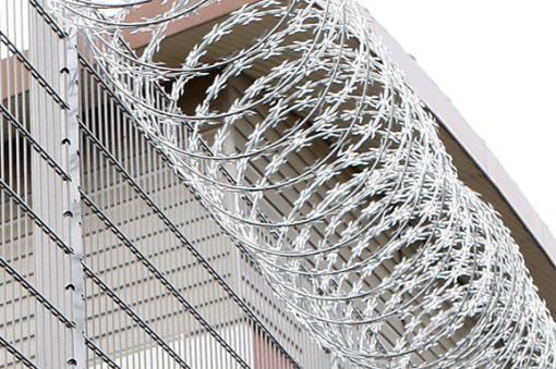 Más de 10.800 presos que esperan sentencia saldrán de cárceles