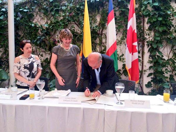 Convenio entre Canadá y Cali beneficia víctimas del conflicto