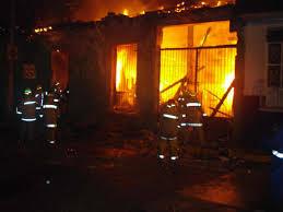 Incendio en Buenaventura dejó 19 damnificados y una mujer herida