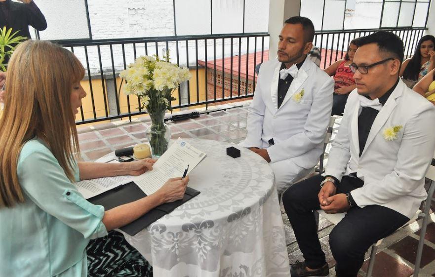 En Cali se celebró el primer matrimonio igualitario tras sanción de ley