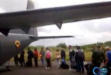 Fuerza Aérea ayuda con las labores de traslado de pacientes enfermos durante paro