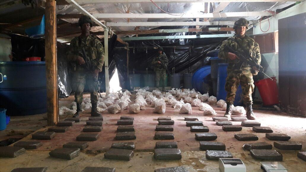 Ejercito y Policía destruyen un laboratorio que producía 4 toneladas de cocaína