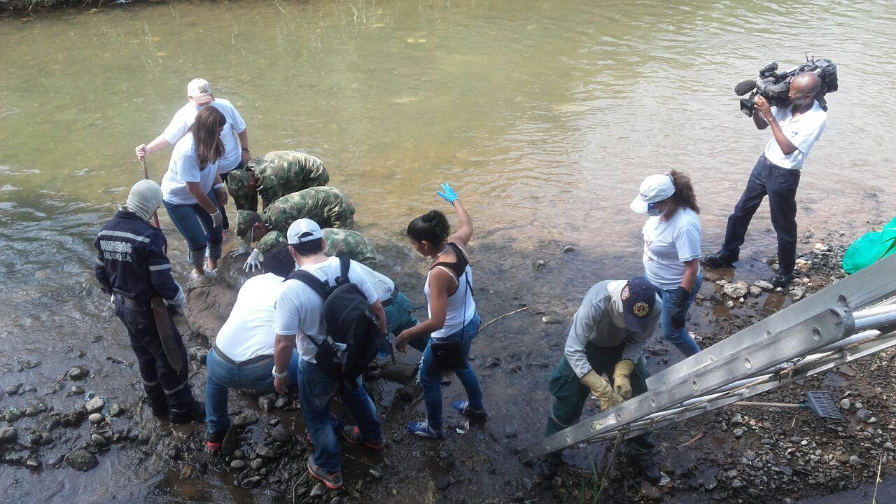 El río Cali tuvo una jornada de limpieza