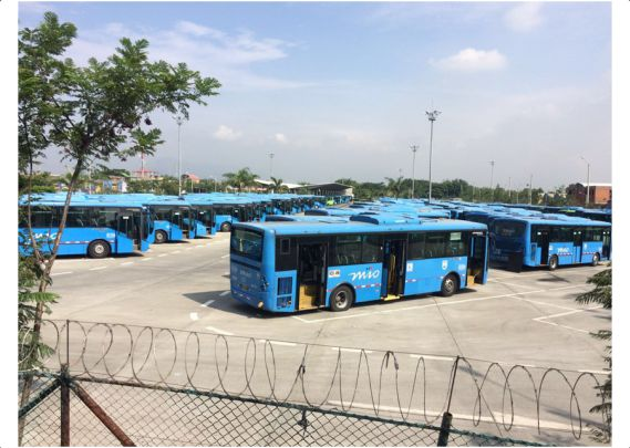 Se aplazó la fecha para la posesión de 163 buses de Unimetro