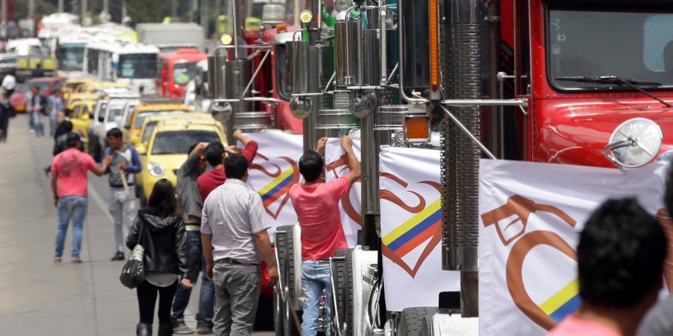 Estas son las 14 peticiones que hacen los camioneros en el paro