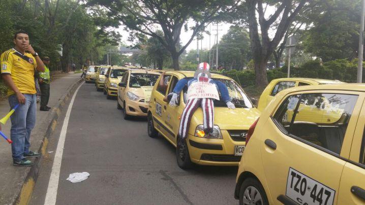 Taxistas protestaron en contra de la plataforma Uber en Cali