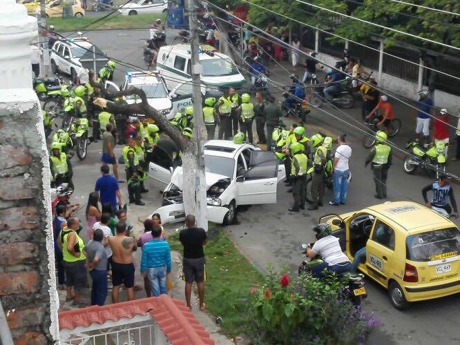 Persecución policial terminó en accidente en El Jardín sin lesionados
