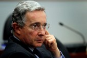 "Uribe dice a Santos que es ""inútil"" invitarle a diálogo sobre paz"