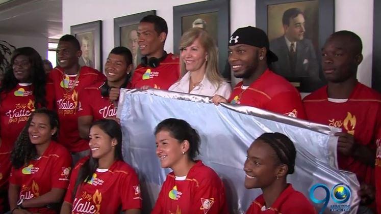 Gobernación entregó la bandera del Valle a deportistas que irán a Río