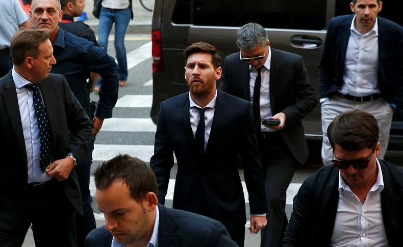 Messi y su padre fueron condenados a 21 meses de prisión