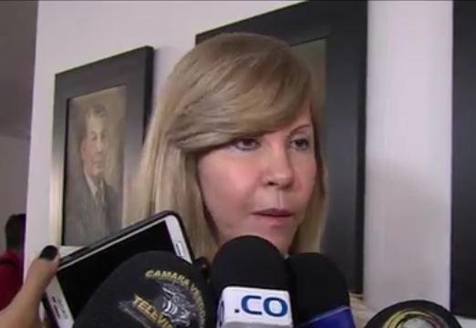 Gobernadora desmiente vínculos en temas de charratización